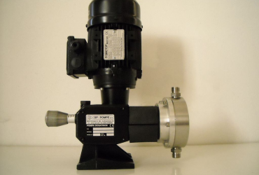 Diaphragm and diving piston dosing pump - Series DTK